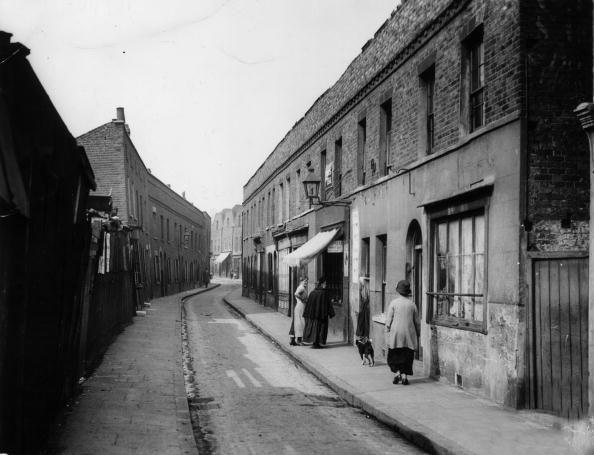 limehouse-causeway-19252