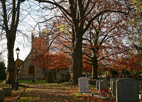 Churchyard at Badsey, Worcestershire (via flickr.com)