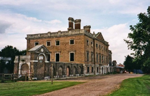 Copped Hall, Essex  (via commons.wikimedia.org)