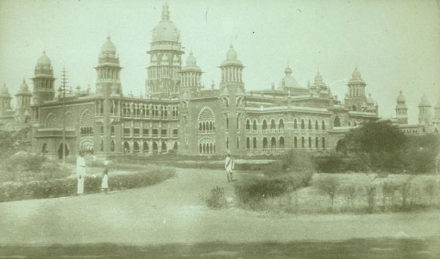 British Law Courts, Madras, 1850 (via https://www.mtholyoke.edu)